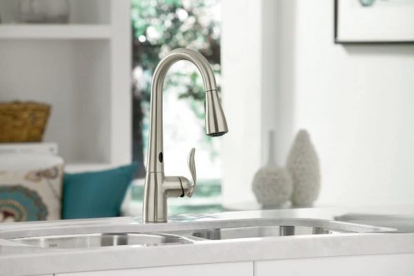 moen touchless one handle pulldown kitchen faucet