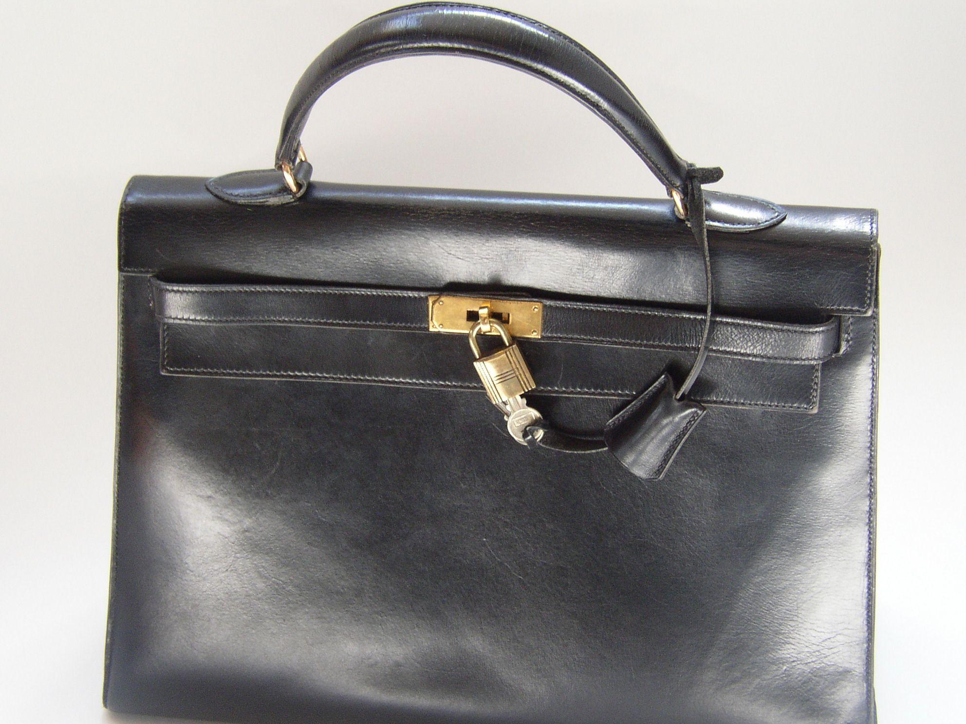 7fb96a2e4d Kelly bag by Hermès | Tasteful Objects - TOINC.