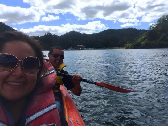 Blue Lake ou Tikitapu Rotorua caiaque kayak viajar pela nova zelandia