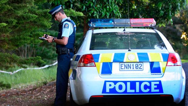 policia e assalto na nova zelândia