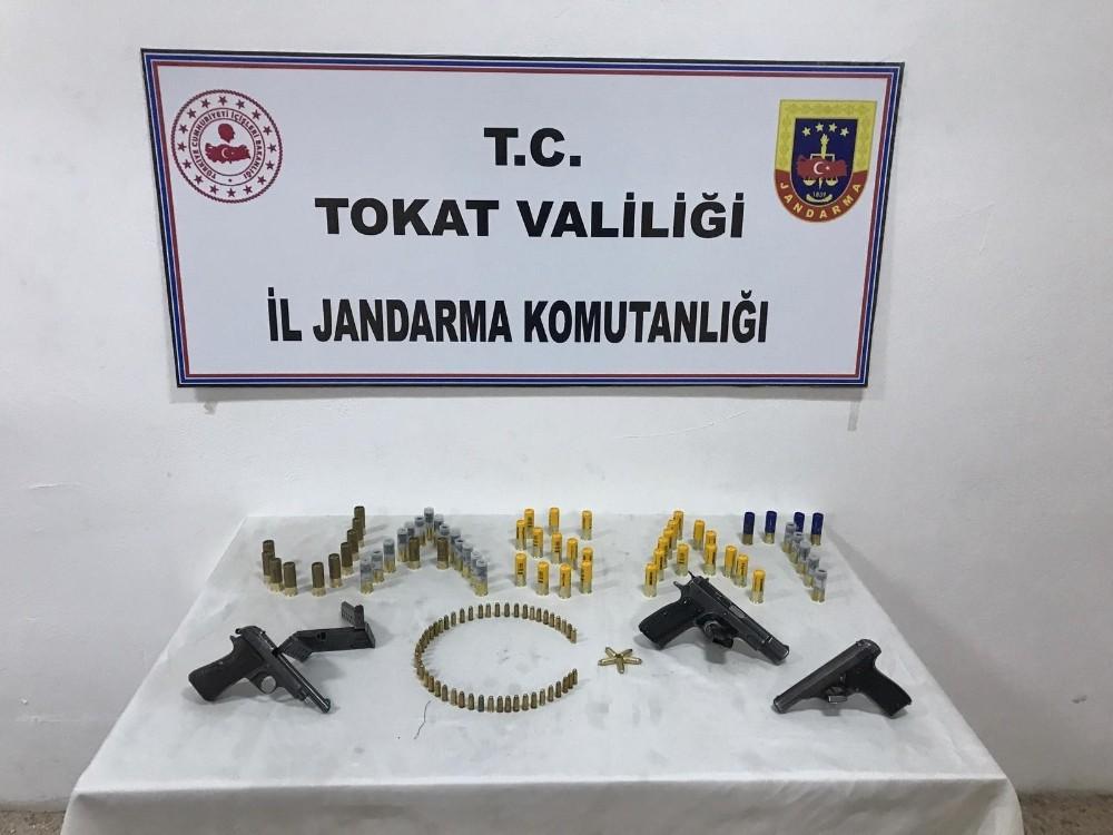 Tokat'ta silah kaçakçılığı operasyonlarında 5 şüpheli gözaltına alındı