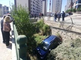 Tokat'ta cip dereye uçtu: 1 yaralı