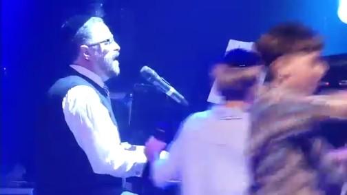 יוסי גרין והקינדרלעך - המלאך הגואל
