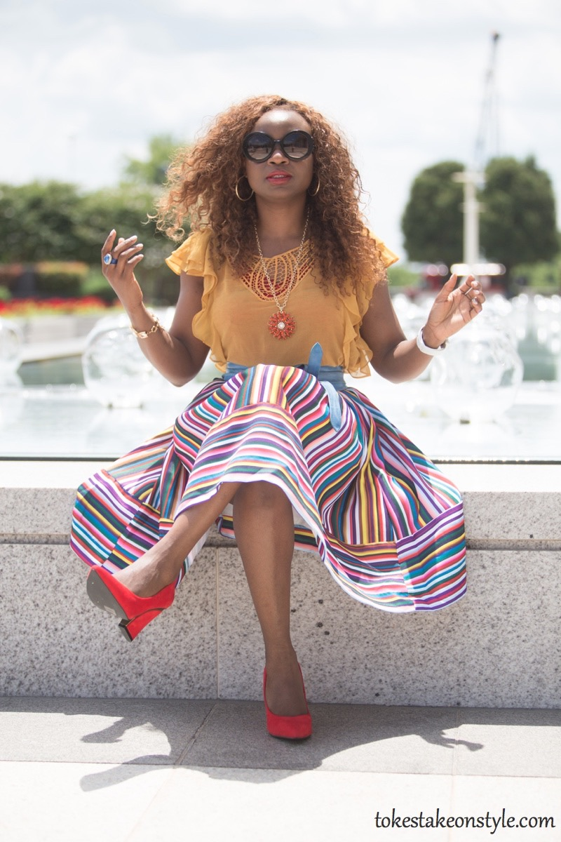 How to wear a multi-colored striped skirt3