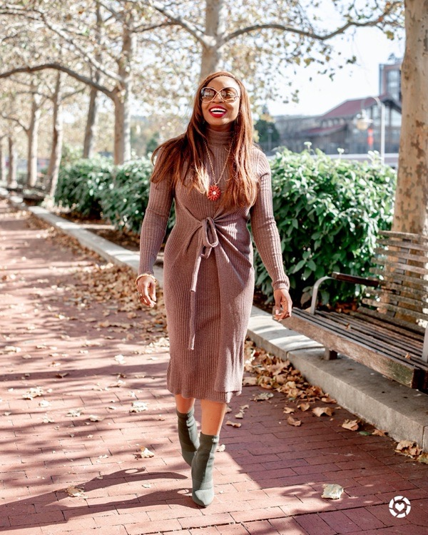 tokes-ojo-ade-how-to-style-a-sweater-dress-green-sock-booties