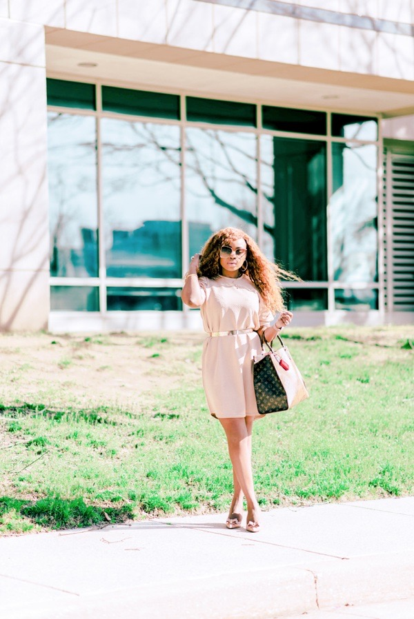 how-to-wear-puff-sleeves-neutral-boohoo-dress-tokestakeonstyle