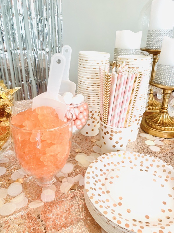 gold-silver-birthday-decoration-ideas-flameless-candles-gold-candle-stands