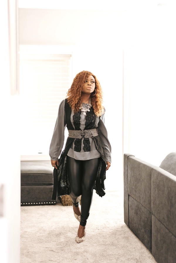 how-to-style-faux-leather-leggings