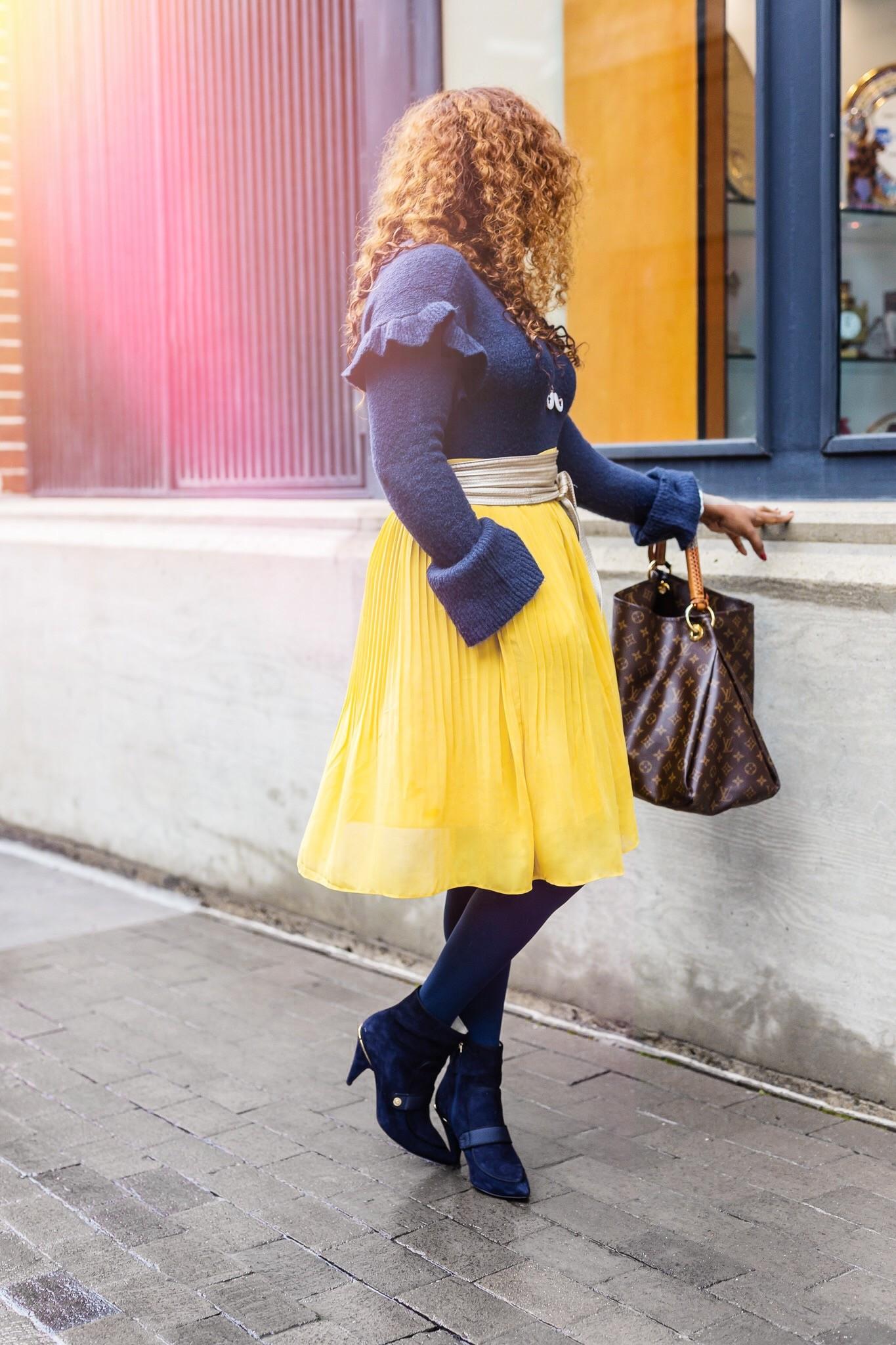 yellow-pleated-skirt
