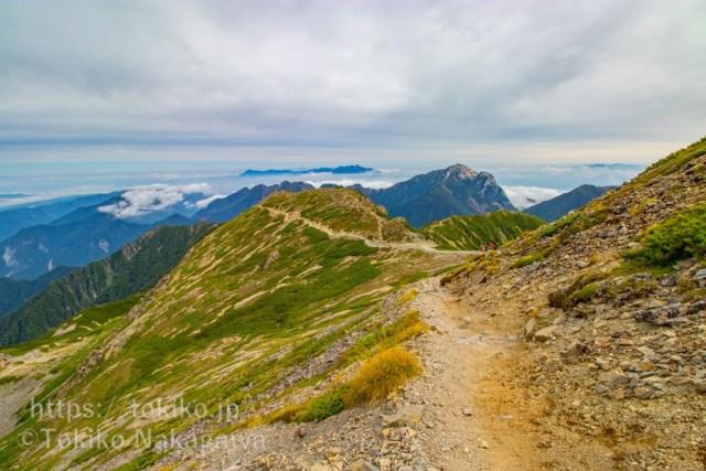 仙丈ヶ岳・稜線から甲斐駒ヶ岳・八ヶ岳