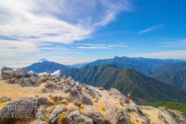 甲斐駒ヶ岳山頂から富士山・鳳凰三山・白峰三山
