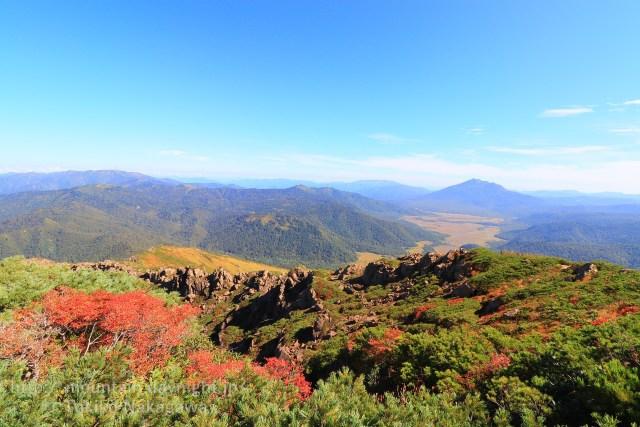 至仏山の紅葉と燧ヶ岳