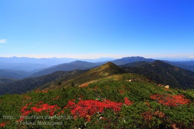 紅葉の紅葉と武尊山・赤城山