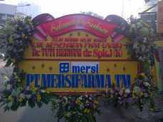 Pesan Bunga Papan Anniversary Surabaya - 08123.5931.288