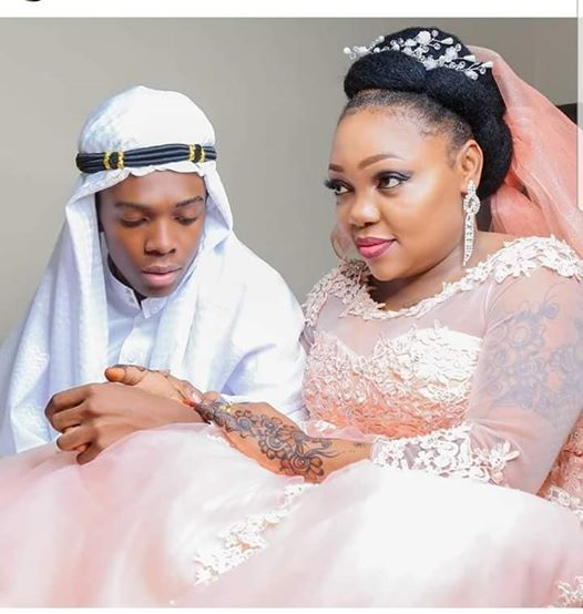 True Love or Money? - 19yrs Old Teen Weds 39yrs Old Bride Kisses Her Passionately (Photos)