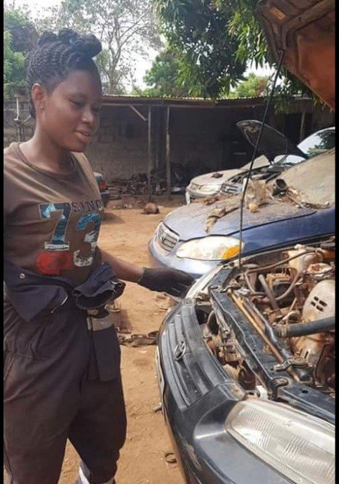 Pretty Mechanic Girl