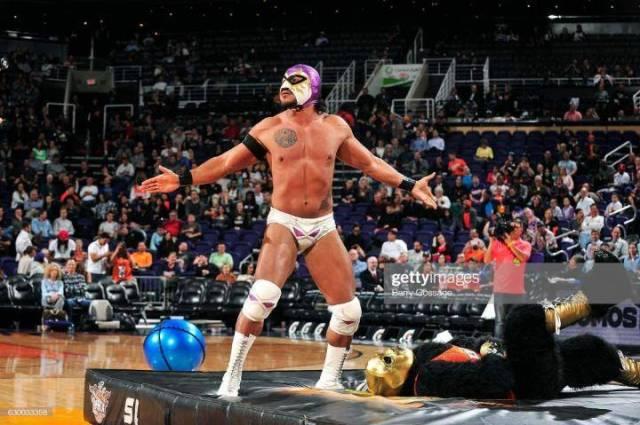 Former World Wrestling Champion La Parka