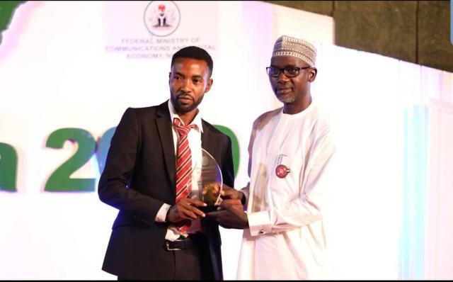 Ezeogu Chinonso Apollos   Receiving His Award