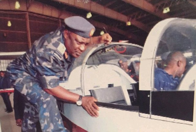 Meet The Only Nigerian Pilot That Flew Two United States Presidents