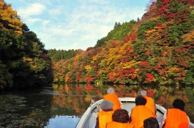 亀山湖紅葉クルーズ