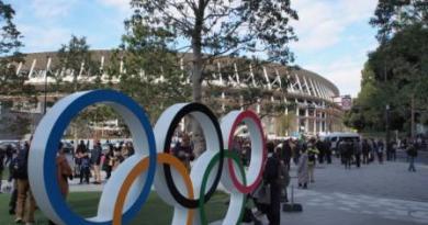 Olympic symbol and Tokyo 2020 Stadium