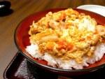 赤坂見附:はら志の 鶏料理専門店の二種類の親子丼、今回は「こくうま」