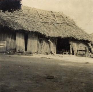 茅葺き校舎(昭和28年)