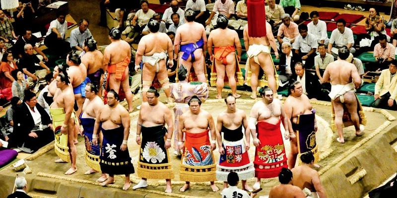 Sumo worstelaars in Japan