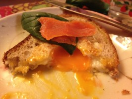 Egg-baked Toast with Samon and Spinach