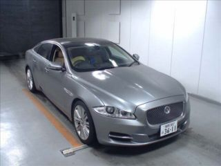 2010 Jaguar XJ Premium Luxury