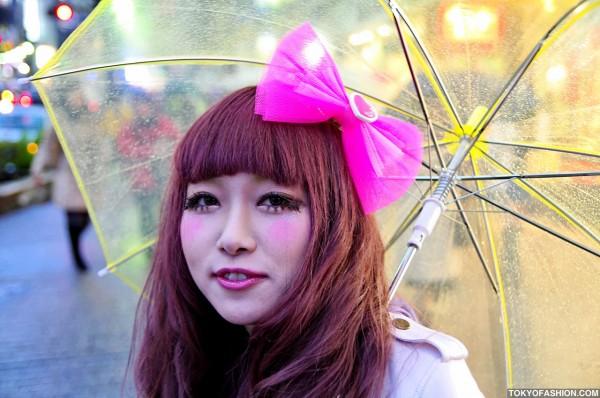 Japanese Girl w/ Cute Pink Hair Bow