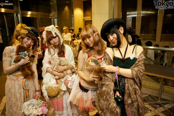 Dolly Kei Girls at the Grimoire Party