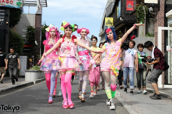 6%DokiDoki Harajuku World Tour