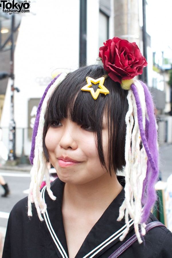 Star, rose & yarn hair decoration