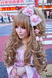 japanese hime gyaru in pink