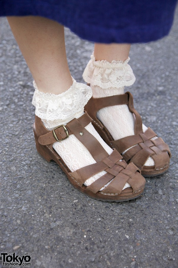 Lace socks & Beam sandals in Harajuku