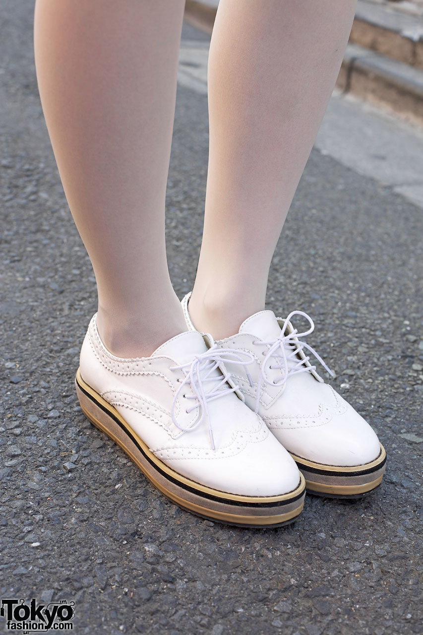 Vintage Map Iphone Wallpaper White Tights Amp Sneakers Tokyo Fashion News