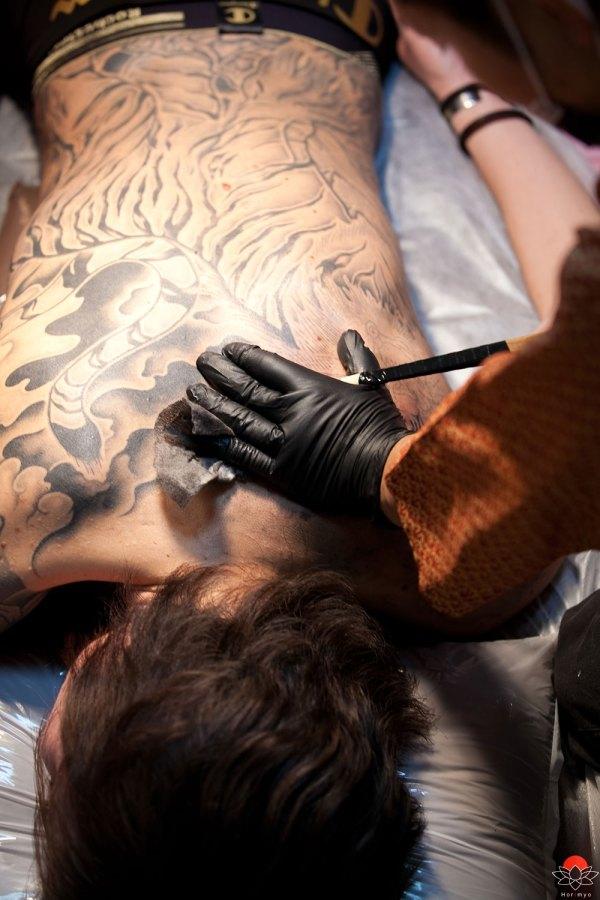 Horimyo - Traditional Japanese Tebori Tattoo Artist Interview