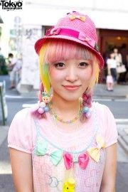 kumamiki with rainbow hair bows