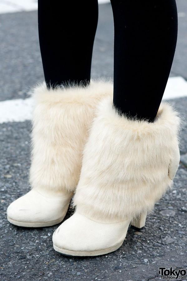 Camel Coat Faux Fur Boots  Fuzzy Beret in Harajuku