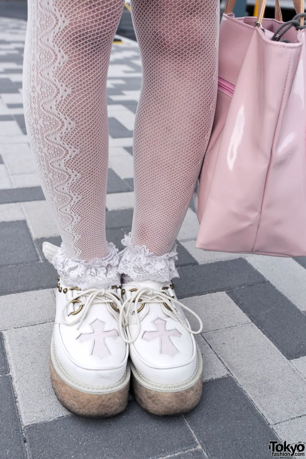 Kawaii Harajuku Style With Snow White Winged Creepers