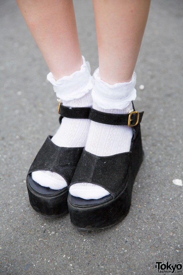 Harajuku Girls in Platform Shoes w Miauler Mew Ingni
