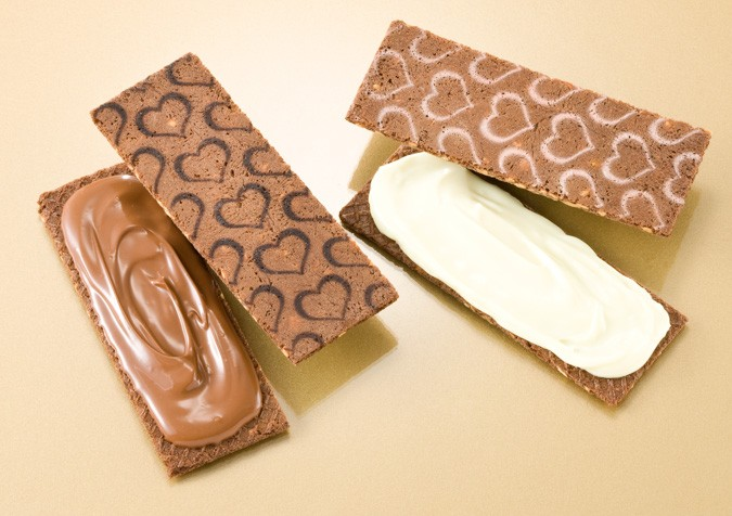 銀のぶどうのチョコレートサンド<アーモンド>(マシュマロエレガンス)