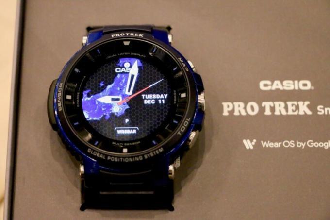 「PRO TREK Smart WSD-F30」は「カラー有機EL」