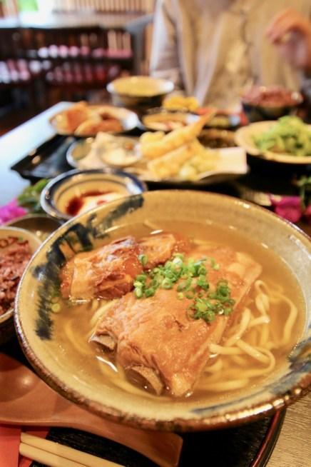 琉球料理ぬちがふう(命果報)ソーキすば定食