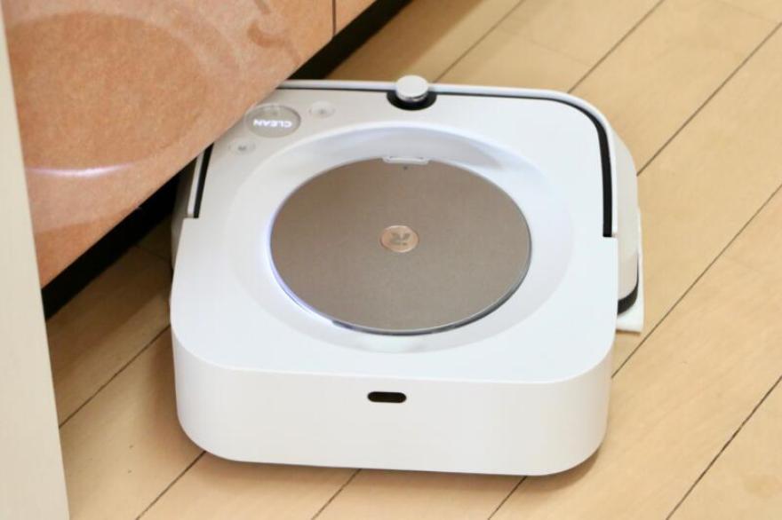 「ブラーバジェットm6」キッチンの隅々まで水拭きしてくれます