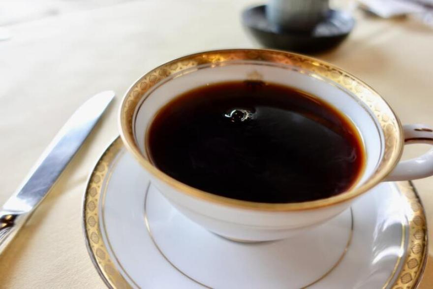 日光金谷ホテル 洋風朝食 食後はコーヒーでまったり