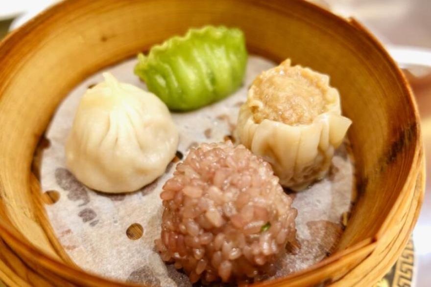 4種飮茶盛り合わせ(上海小籠包、紫米焼売、翡翠蒸し餃子、肉焼売)