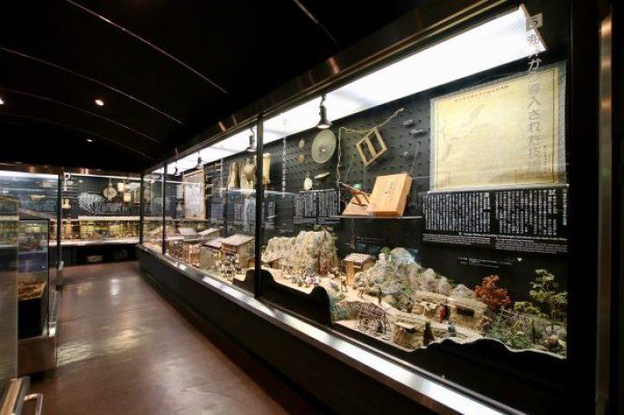 展示資料館では佐渡金山にまつわる資料を展示