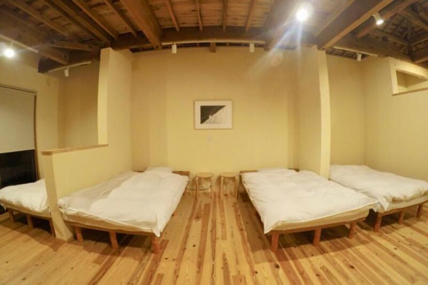 「宿屋まてまて」のベッドルーム